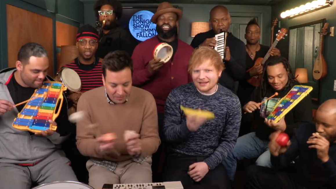 Te gek: Jimmy Fallon, Ed Sheeran en The Roots zingen 'Shape of you'